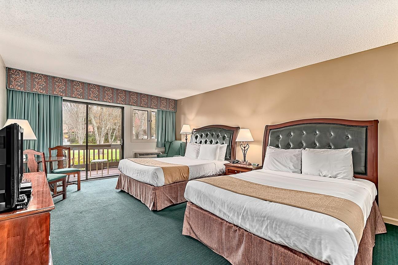 North Lodge Queen Room